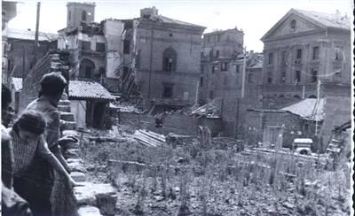 Orto di guerra a Bologna (Archivio Istituto Parri)