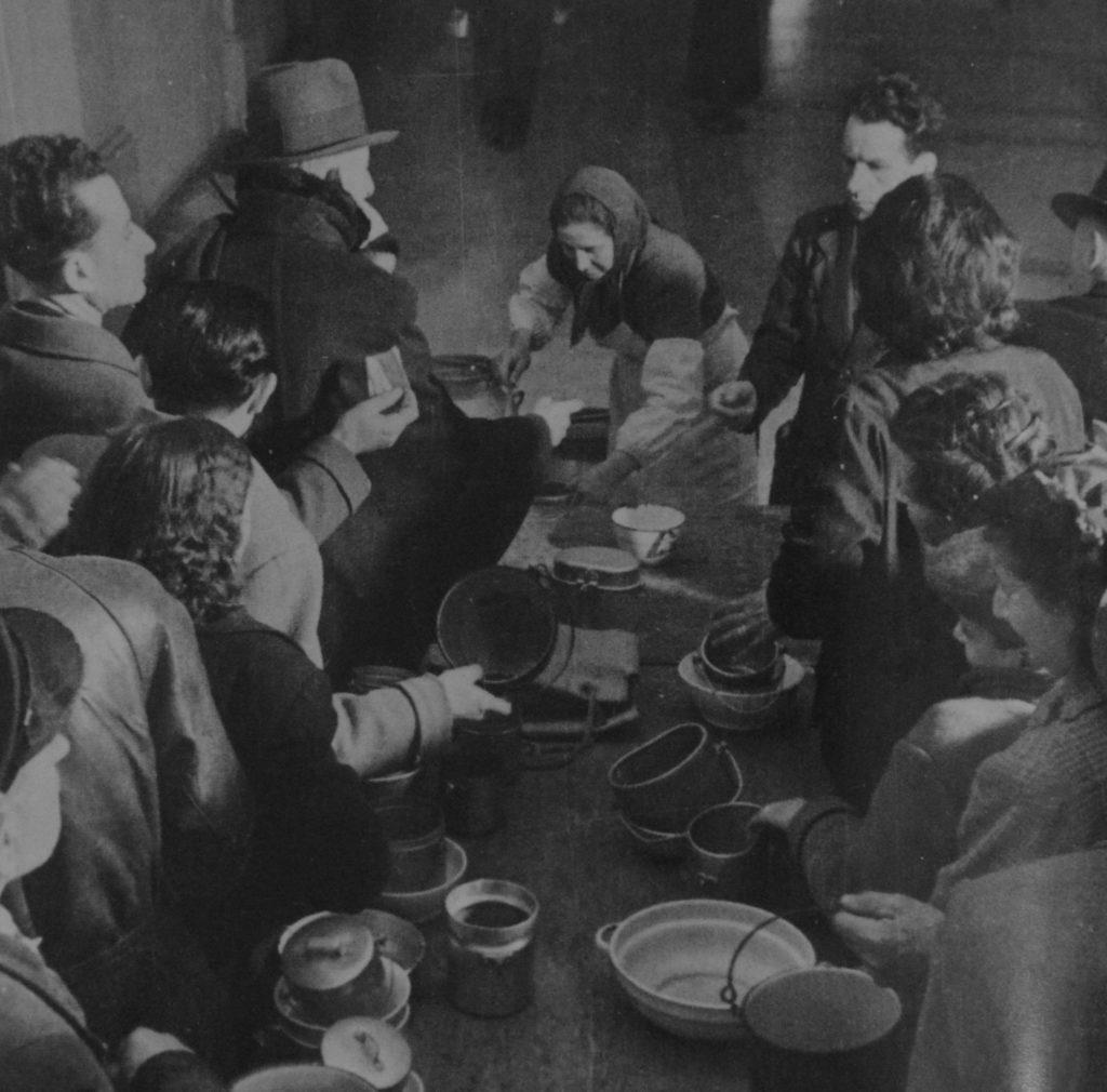 La mensa del popolo (Archivio ANPI Bologna)