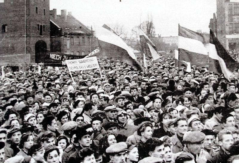 Lengyel szimpátia-tüntetés október 30-án Olsztynban Magyarország mellett