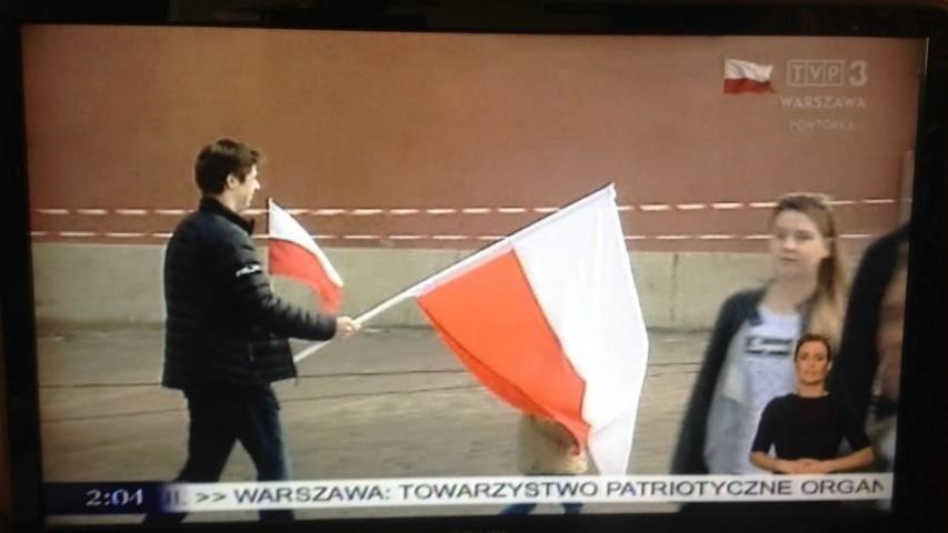 Fig. 4. Frozen frame from the news on TVP3, the celebration of the Flag Day is reported.